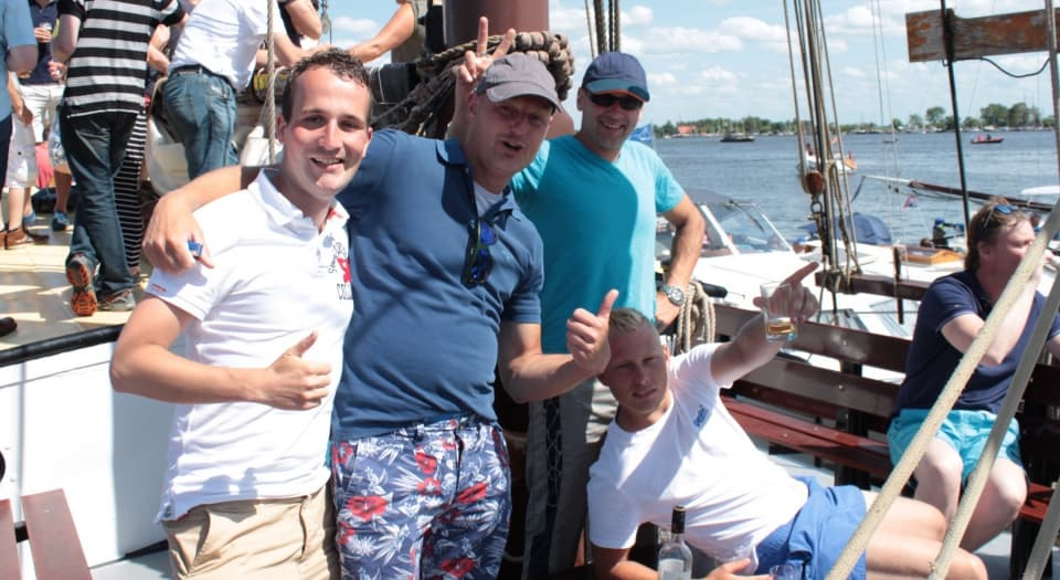 Vrijgezellenfeest zeilen in Friesland