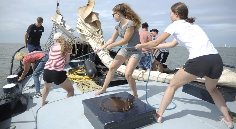 schippers op zeilboot
